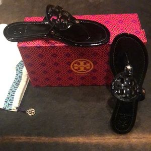 Tory Burch Black Patent Sandals (sz 8)